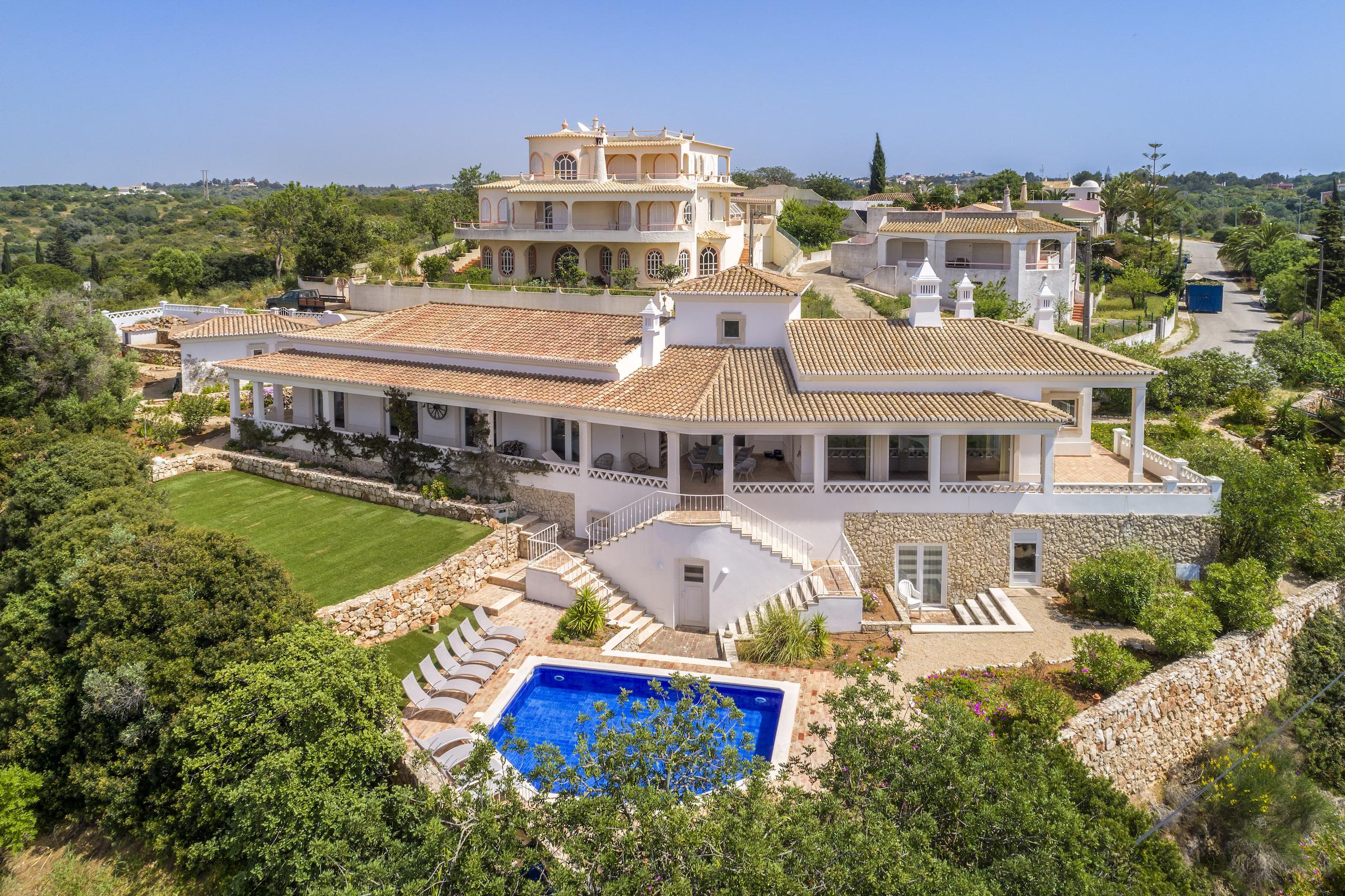Luxury 4 bedroom rental villa Marlena Ferragudo